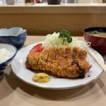 152597861 - ロースカツ定食