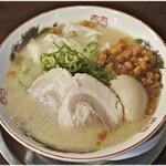 福ヤ - 半熟味付玉子ラーメン+ワンタン+カリカリ 850+270+50円