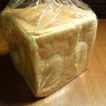 パン工房 今西 - 一斤焼きの食パン