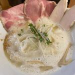 麺処 飯田家 - 料理写真:泡立ってます カプチーノです