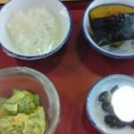はなみずき食堂 - じゃこおろし、カボチャ煮、カボチャとサツマイモのサラダ、黒豆