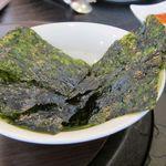 呑久里by檀君 - キムチ2種とさらに韓国海苔もついている