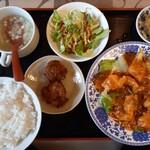 奉天飯店 - 料理写真:エビのチリソース