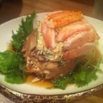 地酒ビストロ おいち。 - 甲羅には味噌もたっぷりついてます!ずわい蟹のサラダは数量限定