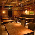丸海屋 - テーブル席(宴会対応可)