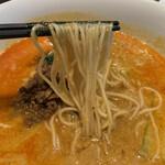 鼎泰豊 - 麺は細ストレート系