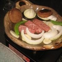 みよじ-和牛の陶板焼き、テーブルガスコンロで
