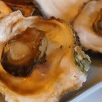 牡蠣料理 田家 - 焼き牡蠣二個