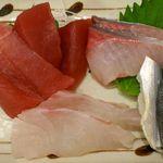 15270952 - つかさ @大岡山 ランチのおさしみ 左上から時計回りに 鮪・カンパチ・コハダ(酢)・鯛