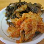 15271731 - キムチと辛子高菜のアップ。以前に比べ辛さが抑えてる感じです。