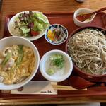 源氏 蕎麦 - 身体にやさしいAセット 大山鶏特選親子丼とざるのセット