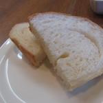 プリムローズ - パスタに付くパン