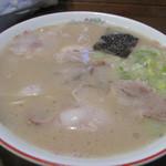 麺家ぶらっくぴっぐ - 基本の豚骨ラーメンは550円です。