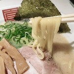 麺屋のすけ - らーめん白の麺