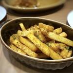 ラザニアCORE - ◆博多アンチョビポテト・・アンチョビ好きですので選びましたが、程よい塩気とカラッと揚がったポテトが美味しい。