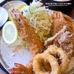 伊藤苑 - ミックスフライ定食