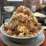 ラーメン富士丸 - 料理写真:豚入りラーメン¥1,300の麺量普通(茹で前350g)に、有料野菜増し¥80+有料油増し¥40+有料生卵¥80