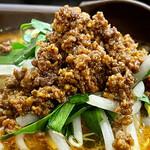 麺飯菜館 じょうじょう - 料理写真:酸辣麺