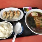 康華飯店 - 料理写真:
