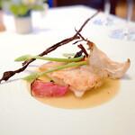ラ・ブランシュ - 一本釣りの甘鯛の鱗焼き、サフランソース