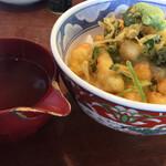 蕎麦と天ぷら やまうち - 小海老天の出汁茶漬け