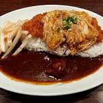グリルらんぷ亭 - カツ丼カレー大盛り