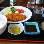志 - 豚カツ定食