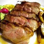 オステリア イート - おすすめ!シンプルな調理法で肉の旨みを引き出した、ボリューム満点糸島豚のグリル♪
