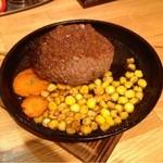 くぅーでしゃ!ネコ円倶楽部 - おつまみハンバーグを自家製醤油バーベキューソースで