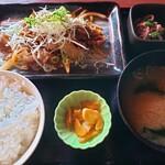 目利きの銀次 - 日替り 牛肉のスタラー定食 定価700円