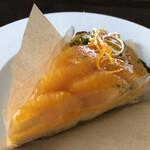 152818572 - 【ネーブルオレンジのタルト】                       fikaさんのタルトは美味しい上に食べやすい!                       私には若干甘みが強めですが、美味しい。
