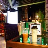 DOWBL CAFE - コーヒーやスムージー、パフェなどCAFEメニューも充実