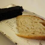 152826797 - .....【パン】 ・イカスミのフォカッチャ ・パネプリエーゼ.....