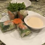 ベトナム料理専門店 サイゴン キムタン - フレッシュアボカド生春巻き¥800