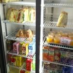 アサカベーカリー - 料理写真:冷蔵ケース
