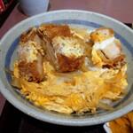 松本屋 - カツ丼。厚切り。