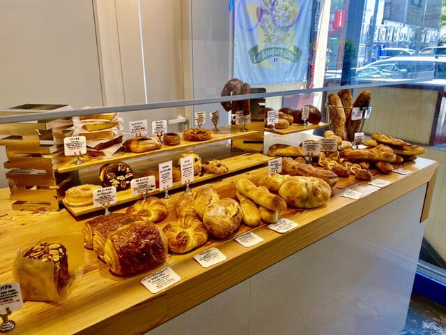 ベーカリー ブラフ 横浜周辺のパン屋さんといえば外せない!ブラフベーカリー・UNDER BLUFF