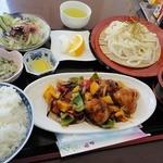 たんぽぽ - 【日替ランチ】酢鶏とうどんの定食(600円)