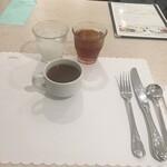 レストラン セゾン - カルピス、アイスウーロン茶、手前がオニオンスープ