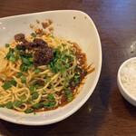 152860533 - 汁なし担々麺、ジャスミンライス(小盛)