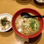 鶏そば一休 - 料理写真: