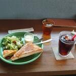 キコリ カフェ - アイスコーヒー(モーニングサービス付き)450円