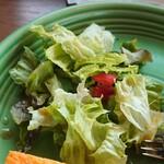 キコリ カフェ - モーニングサービスのサラダ