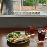 キコリ カフェ - 風景とモーニングサービス