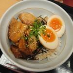 なか卯 - 豚角煮丼