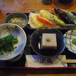 15290332 - 天ぷら、和え物、そば豆腐(そばランチ)