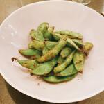 ジェム バイ モト - 枝豆ガラムマサラ炒め