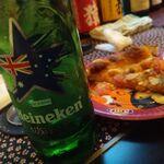 ドイツ亭 - ハイネケン片手にピザをペロリ