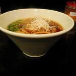 牛薫る麺処 嵐風 - 流行の(?)逆円錐形