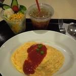 イクスピアリ・キッチン 舞浜洋食軒 - 「洋食屋さんのオムライス」+「洋食軒セット」(300円)